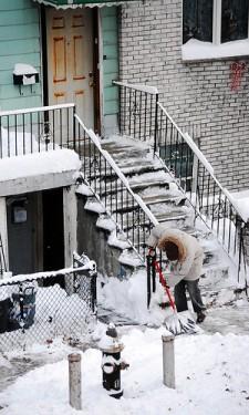 Hólapátolás - hóeltakarítás