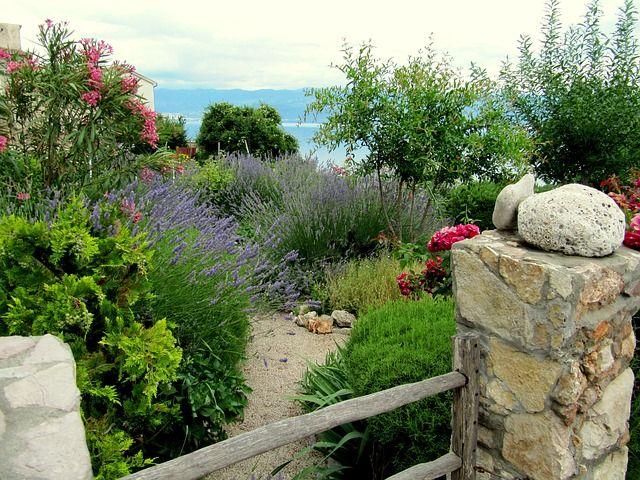 Mediterrán kertépítés